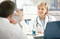 Консультация у врача для лечения гидраденита