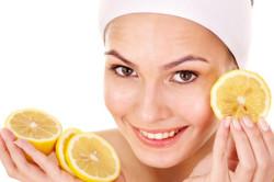 Маска для лица из лимонного сока против пигментных пятен