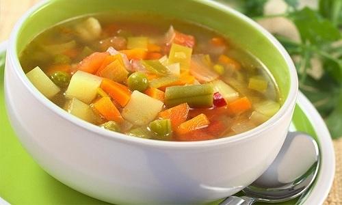 Разрешено вводить в меню больного супы, сваренные на овощных бульонах